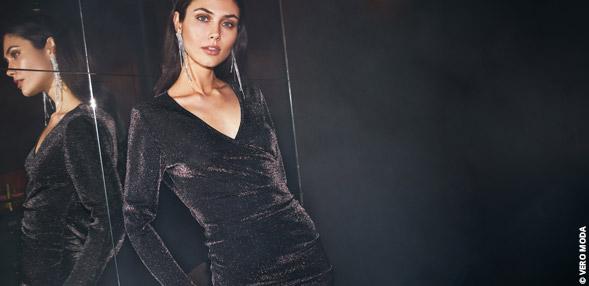 Ponadczasowa czarna sukienka